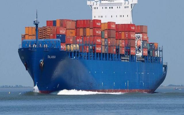 سفينة نقل حاويات