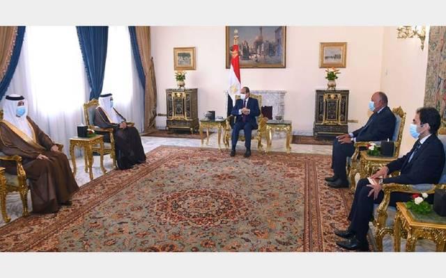 السيسي يؤكد مواصلة دعم البحرين في المواقف السياسية كافة