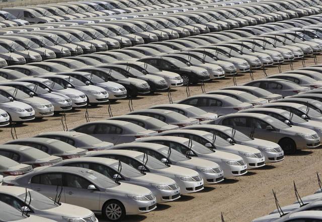 جمارك الإسكندرية تُفرج عن سيارات بـ29.6 مليار جنيه خلال 2017-2018