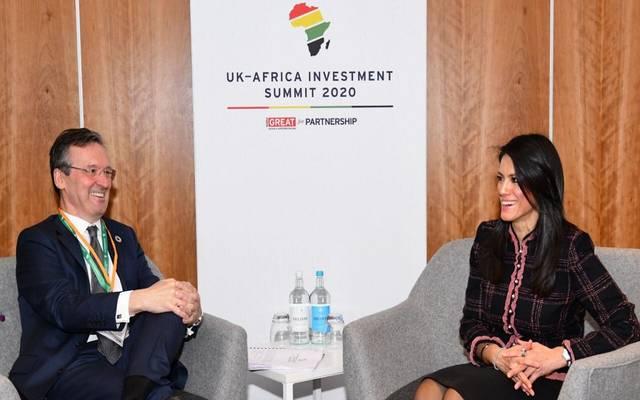 جانب من لقاء رانيا المشاط وزير التعاون الدولي في قمة بريطانيا لأفريقيا للاستثمار