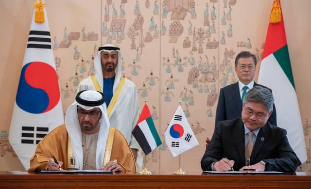 """""""أدنوك"""" و""""إس.كي.إي.سي"""" توقعان اتفاقية لتخزين النفط الخام بـ4.4 مليار درهم"""
