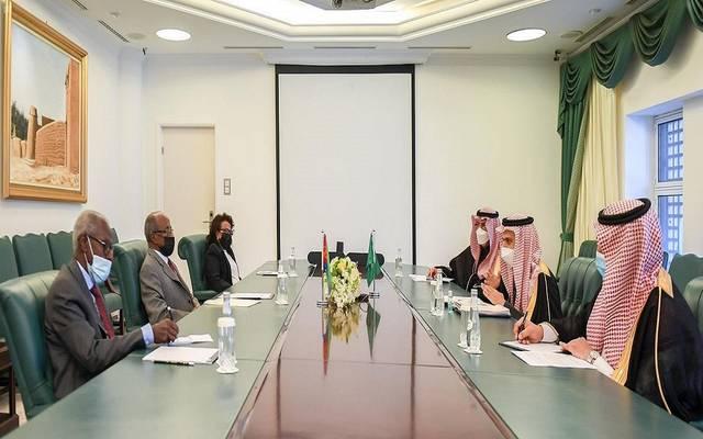 جانب من الدورة الأولى للجنة السعودية الإريترية المشتركة