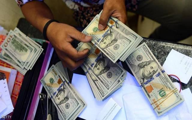 ارتفاع تحويلات المصريين العاملين بالإمارات لـ708 ملايين دولار بالربع الثالث