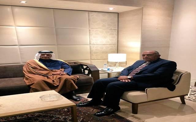 وزير الخارجية المصري يلتقي نظيره القطري بمقر الجامعة العربية