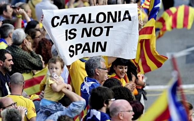 """برلمان """"كتالونيا"""" يعلن استقلال الإقليم عن إسبانيا"""