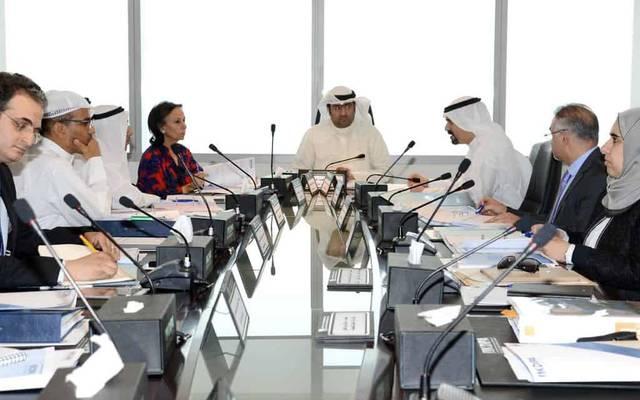 اجتماع سابق للهيئة بحضور وزير التجارة الكويتي خالد الروضان