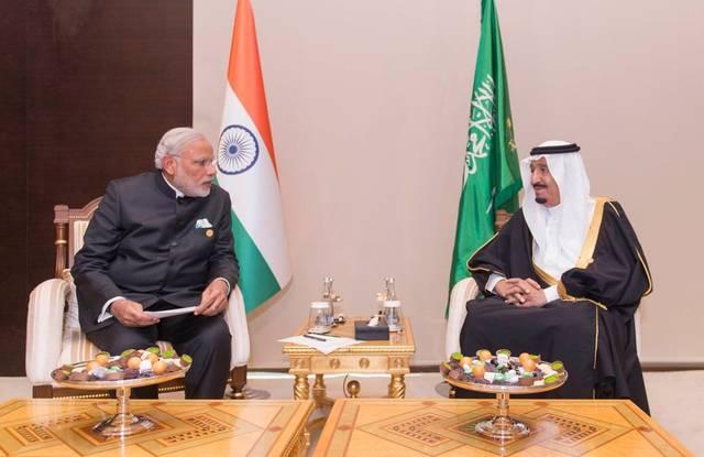 الملك سلمان ورئيس وزراء الهند يبحثان فرص تنمية العلاقات الثنائية