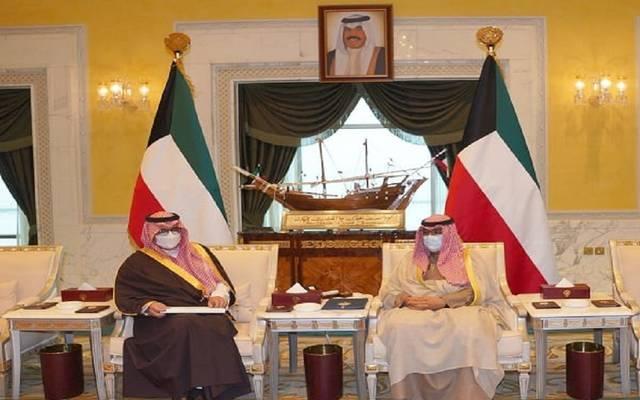 خادم الحرمين الشريفين يبعث برسالة خطية إلى أمير الكويت