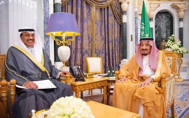 خادم الحرمين الشيفين الملك سلمان بن عبدالعزيز خلال استقباله وزير الخارجية الكويتي