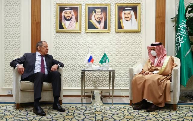 جانب من لقاء وزير خارجية السعودية نظيره الروسي