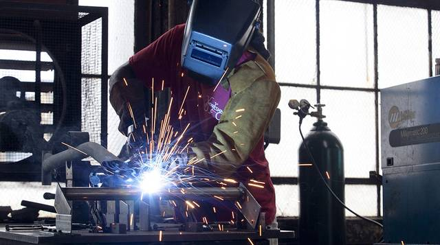 US industrial output records biggest gain since 1 yr