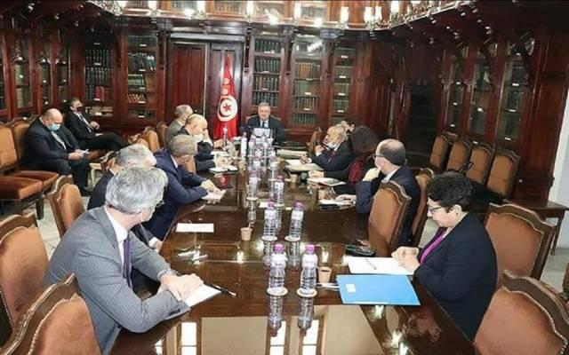 جانب من اجتماع وير الاقتصاد التونسي مع بنوك ومؤسسات مالية محلية