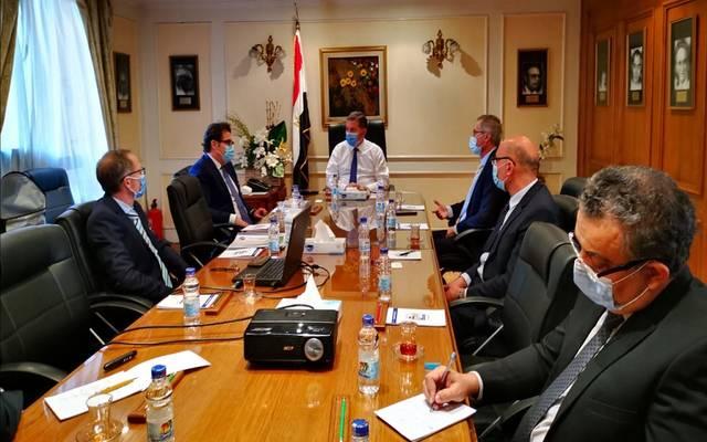 خلال لقاء وزير قطاع الأعمال العام المصري مع وفداً من تحالف يضم شركات إيطالية