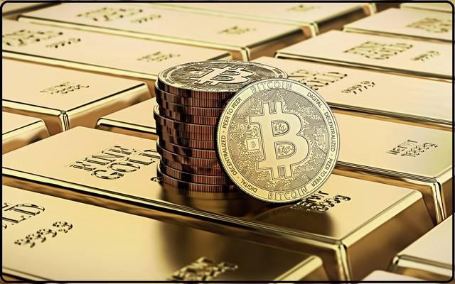 لماذا يتزايد الحديث عن الذهب والبيتكوين حالياً؟