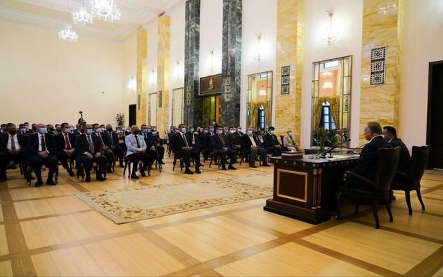 رئيس مجلس الوزراء العراقي خلال دعوته عددا من الكوادر الصحية لمأدبة إفطار