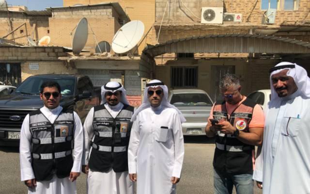فريق من بلدية الكويت خلال جولة تفتيشية
