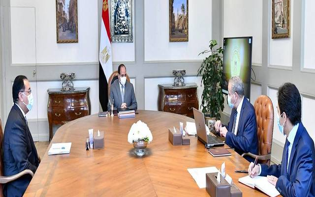 جانب من اجتماع الرئيس السيسي مع رئيس الوزراء ووزير التموين