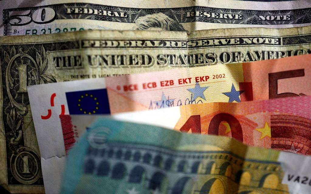 d4fcab8ba عملات الأسواق الناشئة تستفيد من ضعف الدولار وانتقاد ترامب للفيدرالي