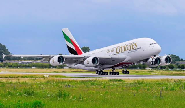 """طائرة تابعة للناقلة الوطنية """"طيران الإمارات"""""""