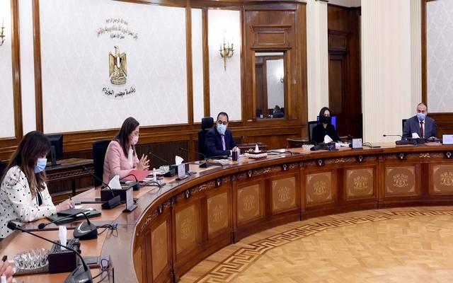 رئيس الوزراء يستعرض جهود المساهمة في إعداد تقرير التنمية البشرية مصر 2020