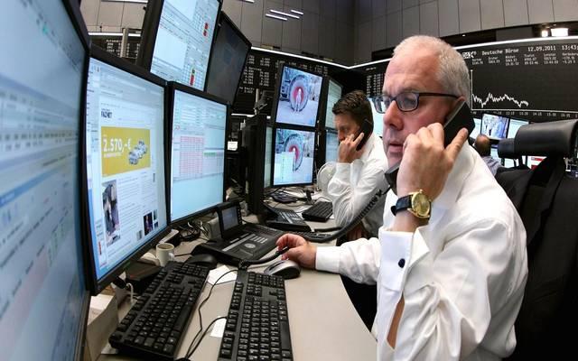 محدث.. الأسهم الأوروبية تهبط بالختام لكنها تسجل مكاسب شهرية