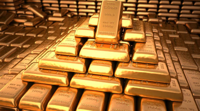 Gold hits week-high on Thursday