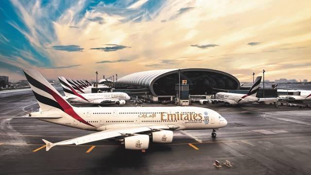 طائرة تابعة لطيران الإمارات
