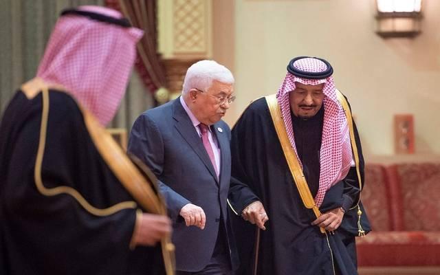 الملك  سلمان في لقاء سابق مع الرئيس الفلسطيني