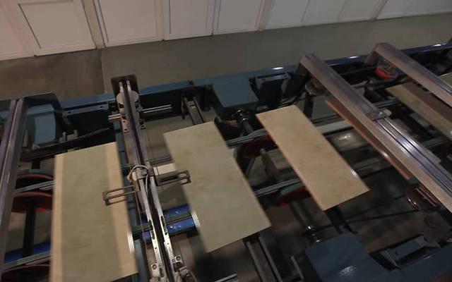 خط إنتاج السيراميك داخل الشركة
