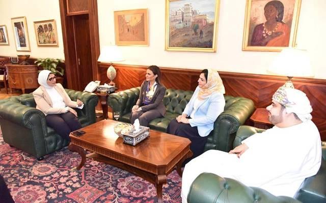 جانب من لقاء وزيرتا الصحة والاستثمار بالمستثمرين العمانيين