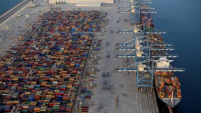 ميناء في أبوظبي