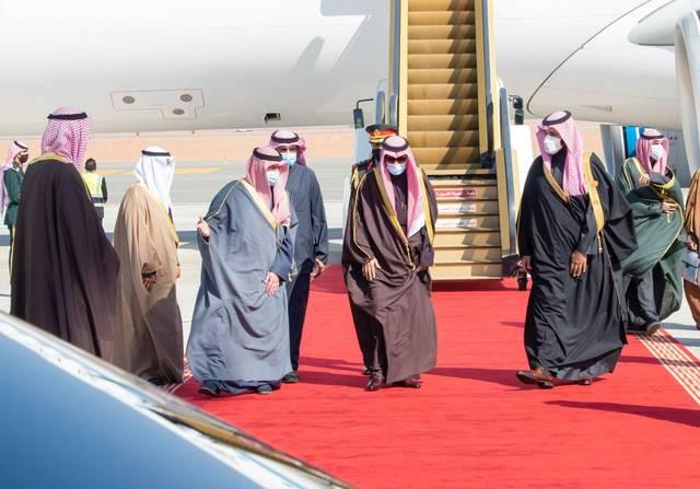 وصول قادة مجلس التعاون لحضور القمة الخليجية.. وأمير قطر على رأس وفد بلاده (صور)