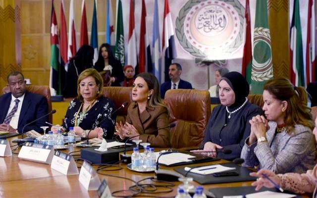 سحر نصر ونفين جامع خلال مؤتمر جمعية سيدات أعمال مصر