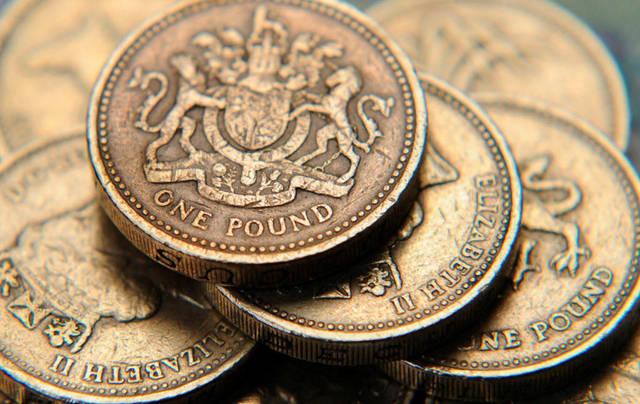 تقرير: ضعف الإسترليني يجذب الاستثمار إلى بريطانيا