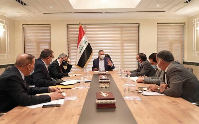 رئيس مجلس الوزراء العراقي، مصطفى الكاظمي، خلال اجتماع لمناقشة أوضاع الكهرباء بالبلاد يرأسه وزير النفط