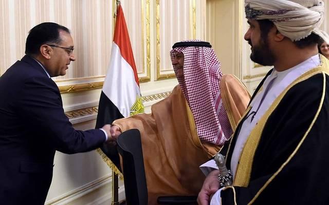 رئيس مجلس الوزراء المصري مصطفى مدبولي وسليمان بن عبد الله الحمدان، رئيس المجلس التنفيذي للمنظمة العربية للتنمية الإدارية، ووزير الخدمة المدنية السعودي