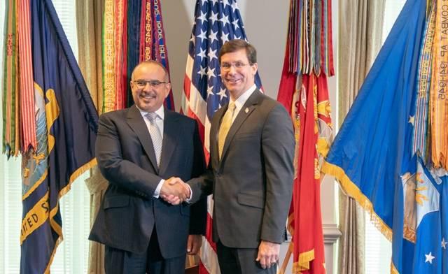 جانب من لقاء ولي عهد البحرين ووزير الدفاع الأمريكي