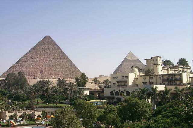 أحد الفنادق بمصر