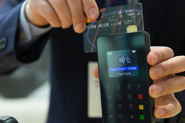 Restaurants and cafes must provide an e-payment solution before August