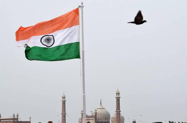 """""""موديز"""" تخفض التصنيف الائتماني للهند لأدنى درجة استثمارية"""