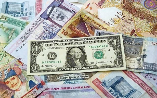 فئات من الدينار الكويتي وعملات عربية وأجنبية