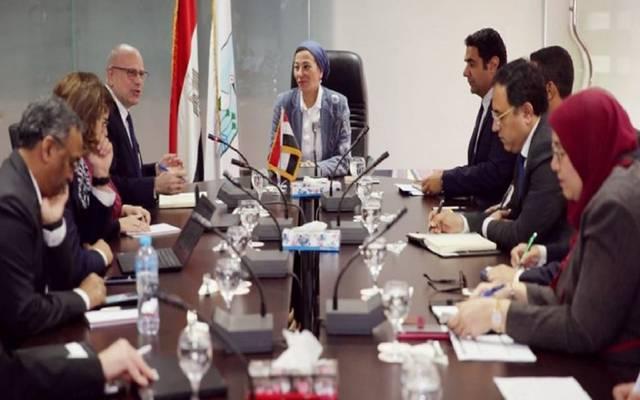 مصر والبنك الدولي يناقشان دعم منظومتي المخلفات والنقل الكهربائي