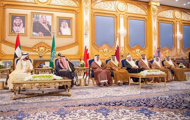 الملك سلمان خلال استقباله لقادة دول مجلس التعاون الخليجي