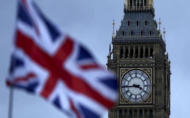 ساعة بيج بين والعلم البريطاني
