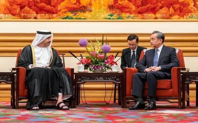 جانب من لقاء وزير الخارجية الإماراتي مع نظيره الصيني