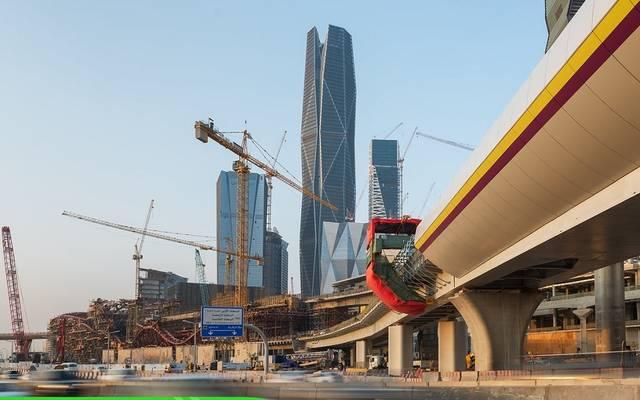 جانب من أعمال بناء الجسور في مشروع مترو الرياض