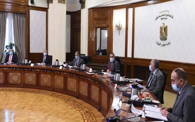 """رئيس الوزراء يتابع الموقف التنفيذي لمشروعات شركة """"تنمية الريف المصري الجديد"""""""