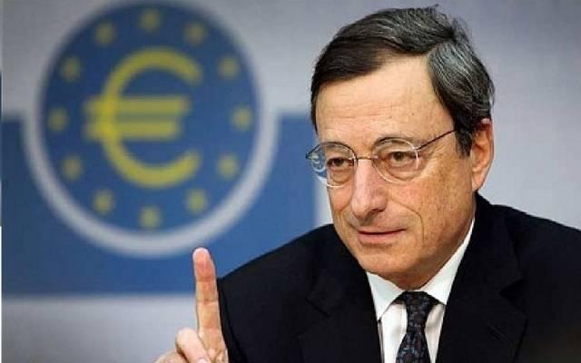 دراجي يحذر من المخاطر المتزايدة على نمو اقتصاد منطقة اليورو