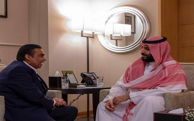 جانب من لقاء ولي العهد السعودي الأمير محمد بن سلمان برجل الأعمال موكيش أمباني