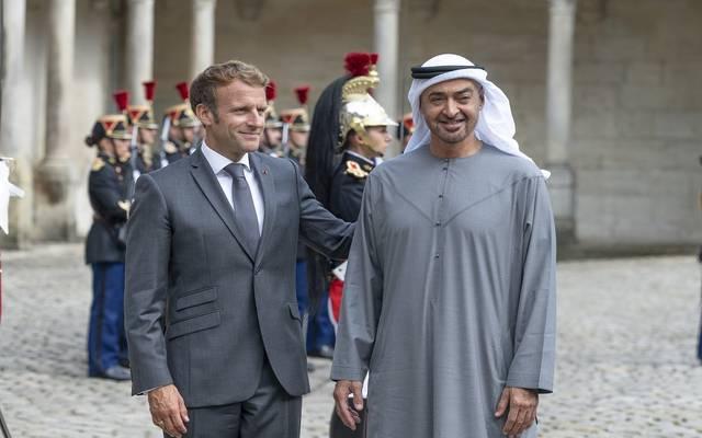 محمد بن زايد والرئيس الفرنسي يبحثان سبل تطوير العلاقات في مختلف المجالات